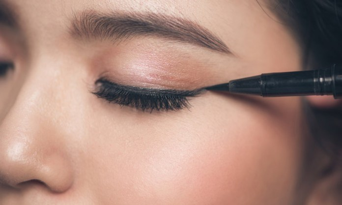 Professional Tips And Tricks For Hooded Eyes Makeup Salonvivan