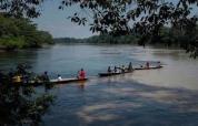 Indígenas sufren por agua, en medio de emergencia sanitaria, tras derrame de crudo en la Amazonía (5-5-20)
