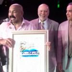 Óscar D' León: declaran el 14 de mayo como el día del Faraón, en Los Ángeles