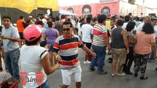 La gente pasó una buena tarde de domingo alegrado por un interesante repertorio salsero. (Foto: Salserísimo Perú)