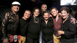 Lucho Cueto, Maycol Paz, Víctor Zanelli, Omar Pizarro, Rubén Carbajal, Lusitio Carbajal y Peluzza Del Carpio luego del show. (Foto: Salserísimo Perú)