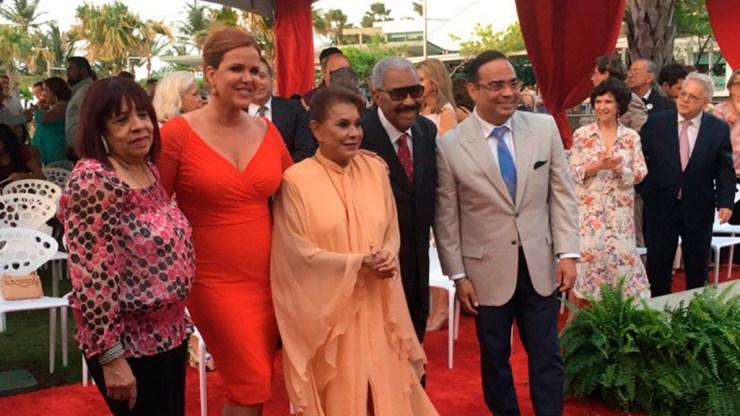 Cheo Feliciano, Rafael Ithier, Gilberto Santa Rosa, Lucecita Benítez y María Celeste Arrarás fueron los homenajeados. (Foto: Josenid Orozco - El Vocero de Puerto Rico)