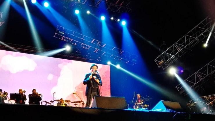 El Poeta de la Salsa culminó su show con 'Buscando Amércia'. (Foto: Salserísimo Perú)