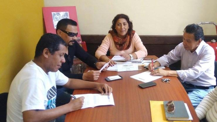 Carlos Ubillus, Juan Canevello y Óscar Pitín Sánchez junto a Rosa Vallejos, vocera de la Dirección Desconcentrada de Cultura del Callao. (Foto: Dirección Desconcentrada de Cultura del Callao)