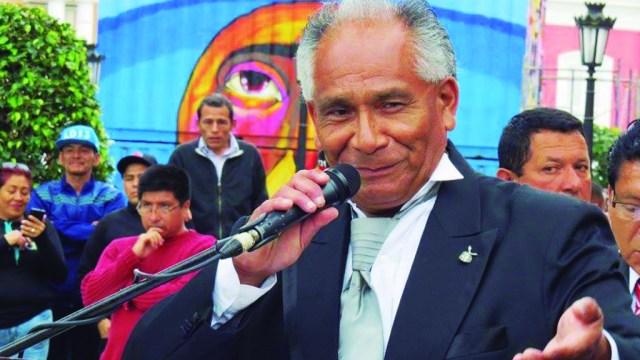 Gerardo García García lideró la colocación de monumentos para Héctor Lavoe y Eddie Palmieri en el Callao. (Facebook/Asocosalsa Perú)