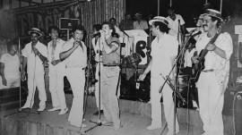Frankie Ruiz acompañando a César Loza y la Perú Salsa All Stars durante la presentación en La Máquina del Sabor, en 1987. (Foto: Cortesía César Loza)