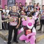 Zaperoko le canta al Callao una versión de 'Vamos Boys' en salsa