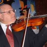 Murió el legendario violinista Lewis Kahn