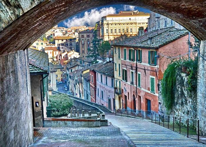 Perugia straziami ma di Baci saziami  SALT Editions