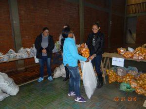 36270700_872602926281977_7787761879383801856_n-1-1-300x225 Mais uma distribuição de alimentos do Programa de Aquisição de Alimentos (PAA)
