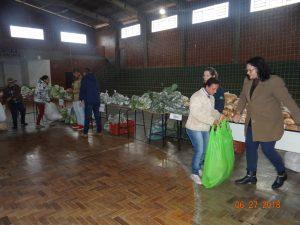 36295876_872602999615303_1937094644940668928_n-1-300x225 Mais uma distribuição de alimentos do Programa de Aquisição de Alimentos (PAA)