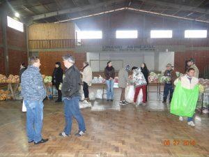 36301161_872602892948647_5764876134583894016_n-1-300x225 Mais uma distribuição de alimentos do Programa de Aquisição de Alimentos (PAA)