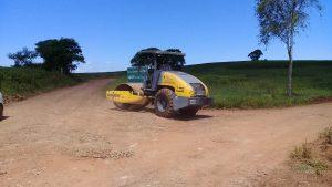 53478344_1690669824412330_5905361821891559424_n-300x169 Recuperação das estradas no interior são prioridades para o escoamento da safra de soja.