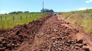 53643452_2263766460611623_7482863345041670144_n-1-300x169 Recuperação das estradas no interior são prioridades para o escoamento da safra de soja.