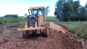 53709502_262179384499180_7074916991806472192_n-300x169 Recuperação das estradas no interior são prioridades para o escoamento da safra de soja.