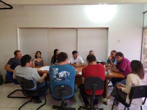 WhatsApp-Image-2019-04-26-at-14.59.26-300x225 Prefeito se reuniu com secretários e vereadores e equipe de engenharia para apresentação do projeto de revitalização da Avenida Pio XII.
