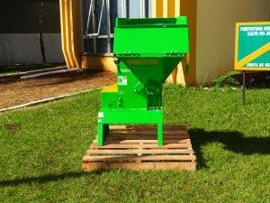 WhatsApp-Image-2019-05-16-at-11.09.51-2-300x225 Prefeitura Municipal de Salto do Jacuí adquiriu um Triturador de resíduos de poda.