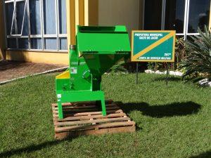 WhatsApp-Image-2019-05-16-at-11.09.51-300x225 Prefeitura Municipal de Salto do Jacuí adquiriu um Triturador de resíduos de poda.