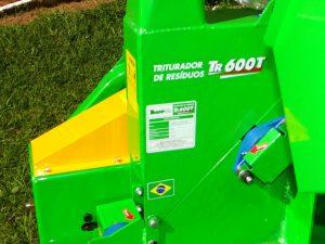WhatsApp-Image-2019-05-16-at-11.09.51-4-300x225 Prefeitura Municipal de Salto do Jacuí adquiriu um Triturador de resíduos de poda.