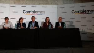 Conferencia-Cambiemos-Mauricio-Gabriela-Michetti_CLAIMA20151026_0096_40