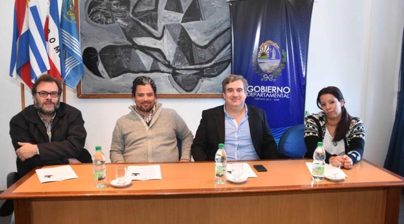 """AUTORIDADES COMUNALES PRESENTARON PROYECTO """"NUESTRO PATRIMONIO SIMBÓLICO"""""""