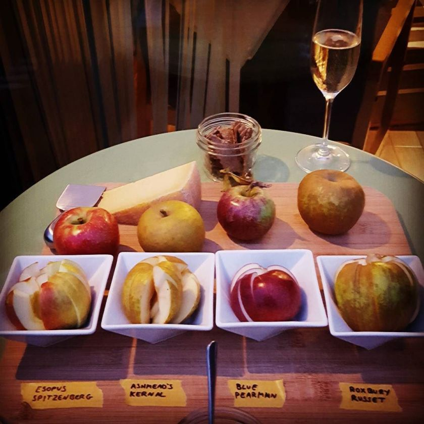 heirloom apple tasting