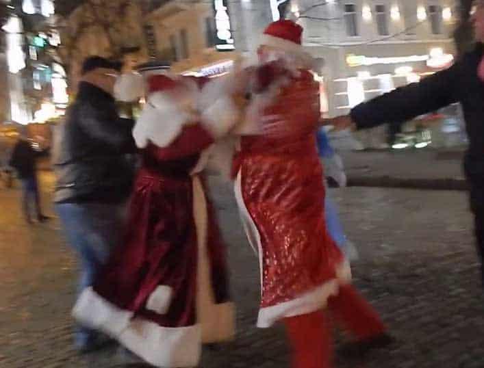 santa-brawl