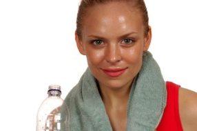 Beneficios de beber Agua: ayuda a adelgazar, previene enfermedades...