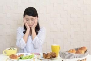 ¿Ser Demasiado Saludable puede ser peligroso? Peligros de no comer grasa, beber demasiada agua o hacer ejercicio en exceso