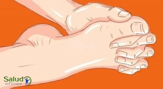 La popularidad de este ejercicio de dedos entrelazados para la movilidad de las piernas creció tras un caso de vida. Aplicalo hoy mismo y verás enormes resultados!