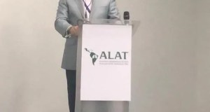 Dr. Plutarco Arias, presidente del Instituto Neumológico de la Apnea del Sueño (INAPS), durante su disertación en el Congreso Internacional que se desarrolló en Panamá, organizado por Asociación Latinoamericana de Enfermedades de Tórax (ALAT)