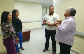 Chanel Rosa visita el Juan Pablo Pina de SC