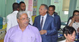 Comisión Gobierno visita el Arturo Grullón