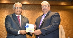 Ministerio de Salud entrega nueva cédula de salud para la niñez