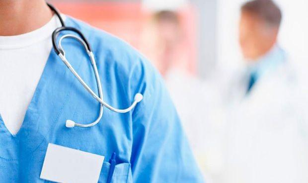 Proponen test de agudeza visual para encontrar al médico que lleva 24 horas de guardia