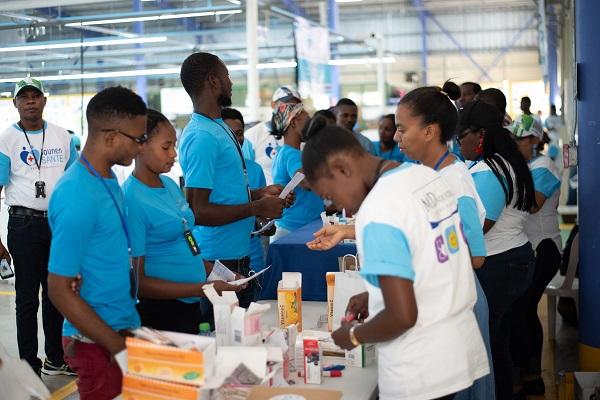 Más de 2 mil personas reciben atención médica gratuita en jornada de salud