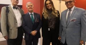 Neurólogo José Silié Ruíz dicta charla en Ecuador sobre la adicción a fumar