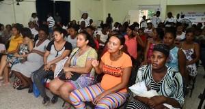 Salud Pública y embajada USA entregan nuevas dosis de micronutrientes a embarazadas SDO