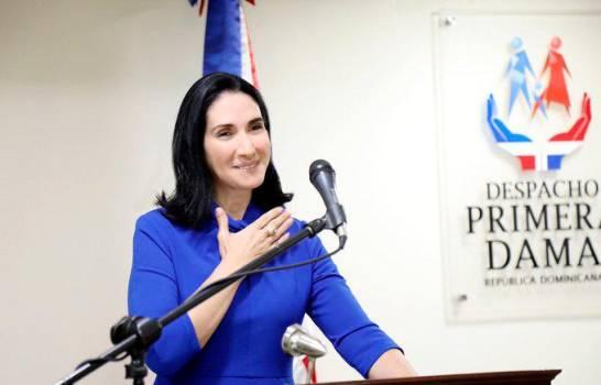 Primera Dama Raquel Arbaje favorece que se flexibilice un par de horas o más toque de queda