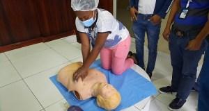 El hospital Moscoso Puello capacita su personal en primeros auxilios