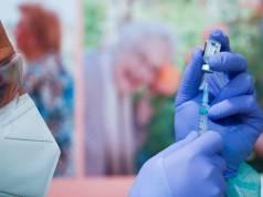 Johnson & Johnson y MSD sellan un acuerdo histórico para producir la vacuna contra el Covid-19