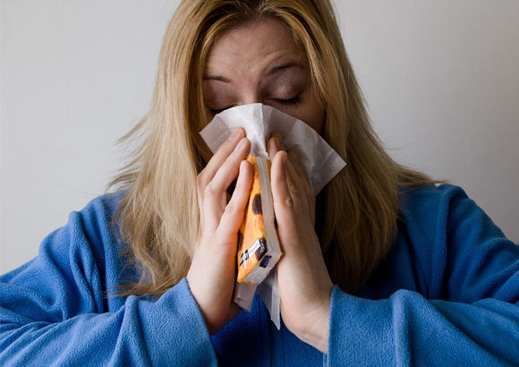 ¿Tos? ¿Dolor de garganta? Tres remedios que dejarán K.O. a los virus