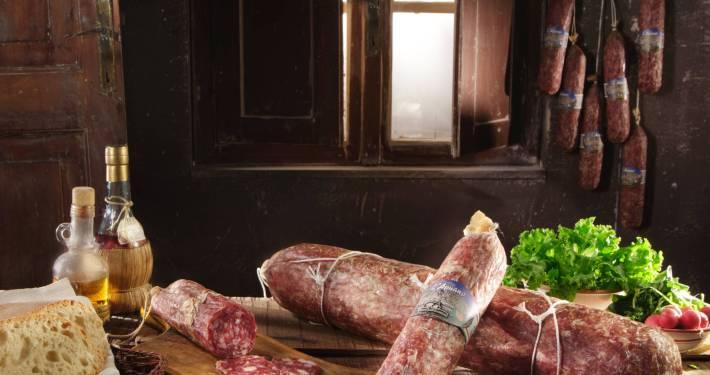 Salumificio Cerù - Salumi Tipici di Gombitelli - Salame Apuano con Lardo di Colonnata IGP
