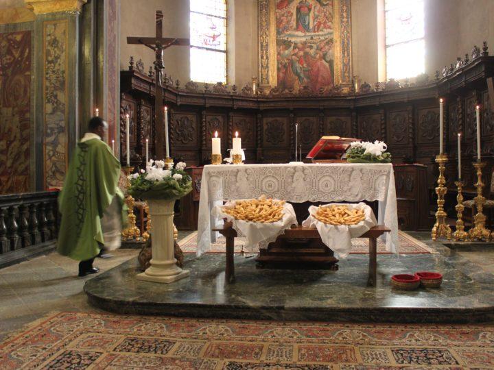 Tradizionale benedizione e distribuzione dei pani di san Nicola da Tolentino domenica 13 settembre
