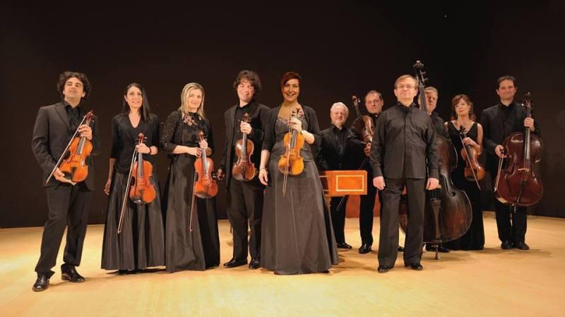 L'Ensamble Baroque in un concerto di musica barocca nella pieve di santa Maria di Salussola