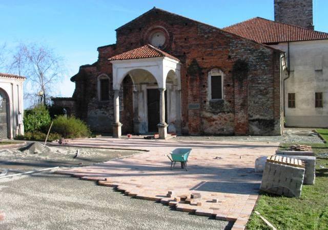 Il sagrato della chiesa di santa Maria Assunta compie 10 anni