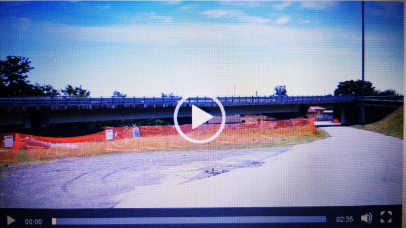 VIDEO – Il cantiere di lavoro che farà la manutenzione al ponte sull'Elvo di Salussola