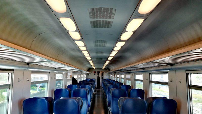 Dopo il confinamento: Uso più ampio dei posti a sedere sui treni e sui bus extra-urbani