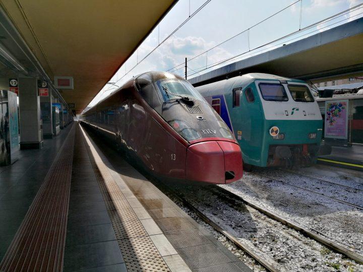 Dopo il confinamento: Da oggi in Piemonte riprendono le corse a pieno carico su treni e autobus di linea