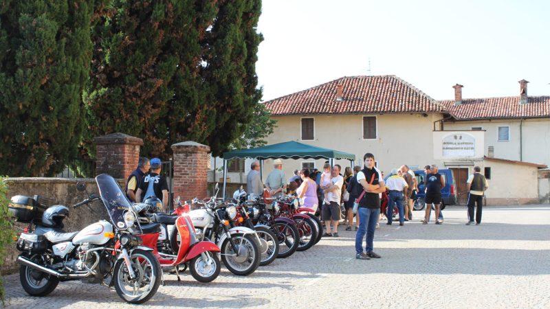 Il motoraduno del 1° agosto 2010 nel borgo antico. FOTOGALLERIA